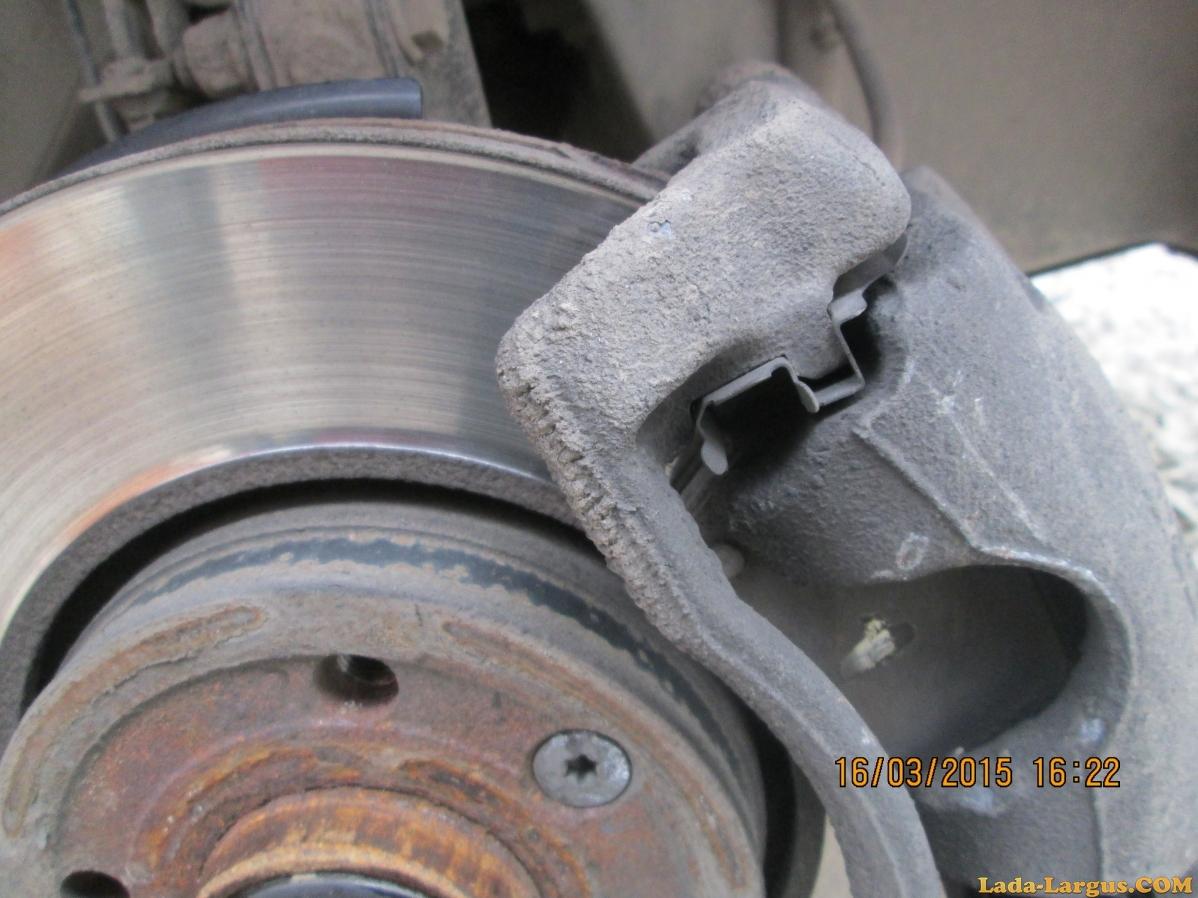Замена передних тормозных колодок на Лада Ларгус: фото и видео 18
