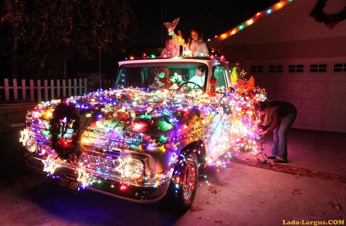 Как украсить автомобиль к новому году фото